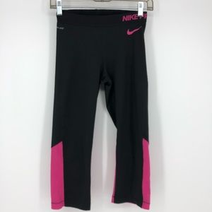 Nike Pro Black Crop Capri size Medium